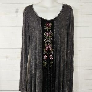 T Party Embroidered Acid Wash Tunic Sz Large NWT